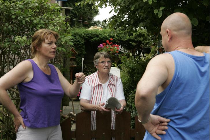 соседи, многоквартирный дом, законы, бабушки, скандалы, соседи шумят