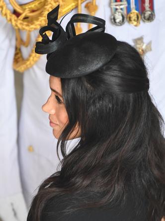 Фото №13 - Демократичная герцогиня: 10 лучших причесок Меган на каждый день