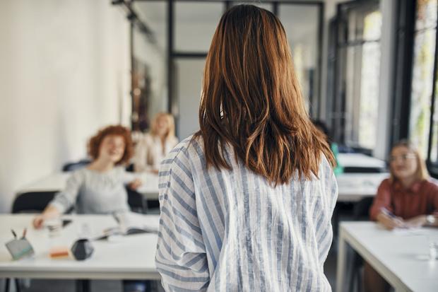 Фото №3 - Две простые техники, которые помогут вам побороть страх общения