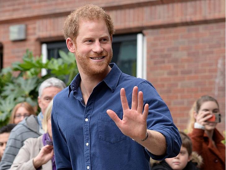 Фото №1 - «От чего он собрался отдыхать?»: в сети обсуждают странное заявление принца Гарри