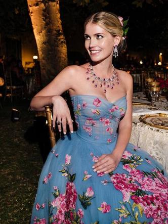 Фото №21 - Королевский размах: шесть свадебных платьев леди Китти Спенсер
