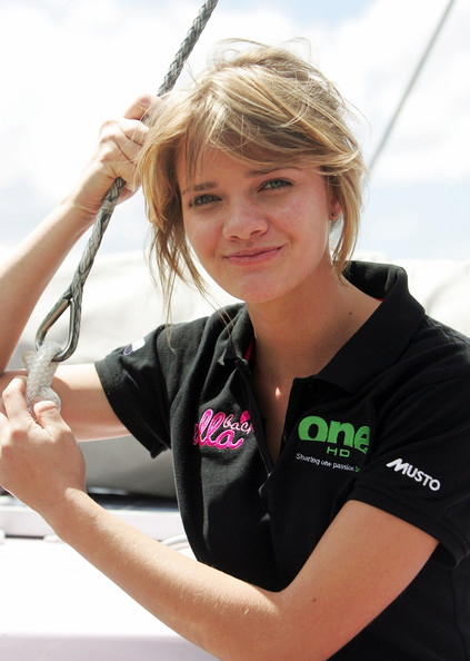 Фото №7 - 16-летняя яхтсменка обогнула земной шар