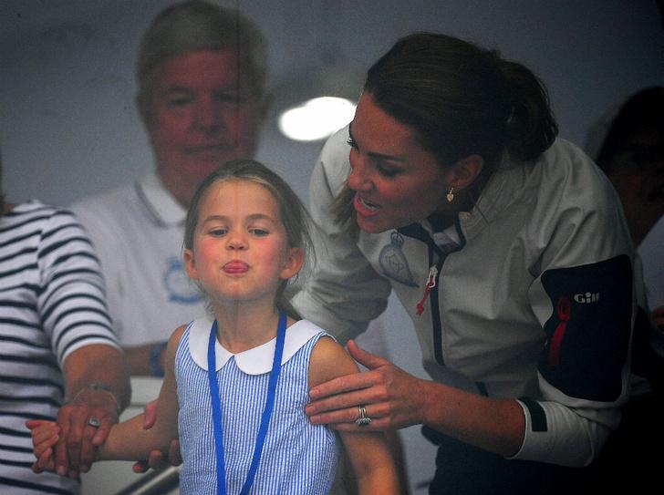 Фото №1 - Прогрессивная принцесса: какое искусство освоила Шарлотта (а Джордж и Луи— нет)