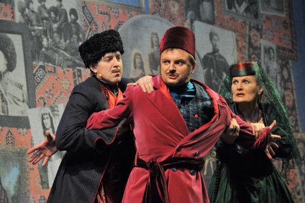 Фото №2 - Играя, сердце разбивают: двенадцать омских актеров-красавцев. Голосуем!