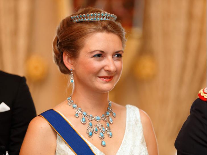 Фото №14 - Самые красивые и дорогие тиары королевской семьи Люксембурга