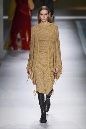 Фото №21 - Полный гид по самым модным платьям для осени и зимы 2020/21