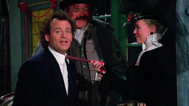 Фото №1 - Откуда пошла неловкая традиция целоваться под омелой на Новый год и Рождество