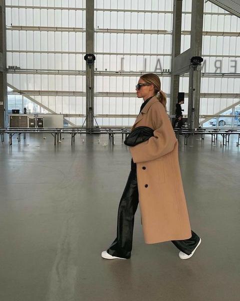 Фото №1 - Тренды 2021: что носить с пальто, чтобы поразить всех этой весной