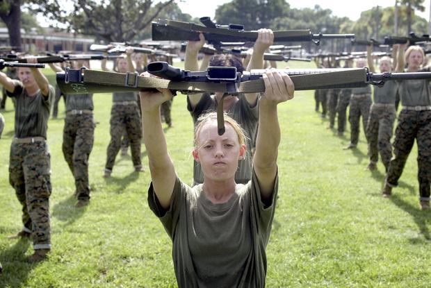 Фото №3 - Воин в юбке: страны, в которых девушки обязаны пройти службу в армии