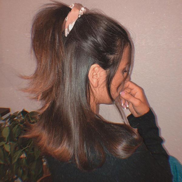 Фото №6 - 10 вариантов укладок для прямых волос