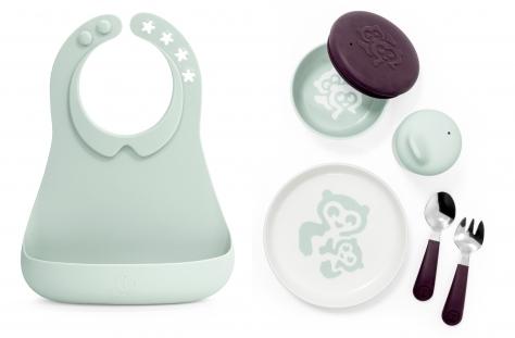 Фото №1 - Новинка от Stokke – комплект детской посуды Munch Collection: Кормление станет веселее, а общение с малышом – еще проще