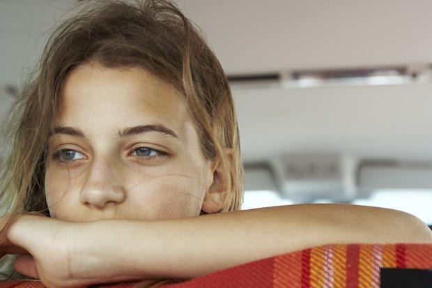 Фото №1 - Need Help: Что делать, если я случайно узнала, что у папы есть любовница? Рассказывать ли маме?