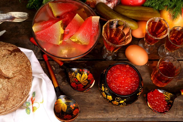 Фото №1 - Полугары и ерофеичи: знаете ли вы русские хмельные напитки?