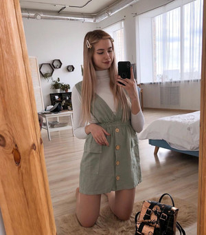 Фото №7 - TikTok style: разбираем гардероб девочек из Sweet House