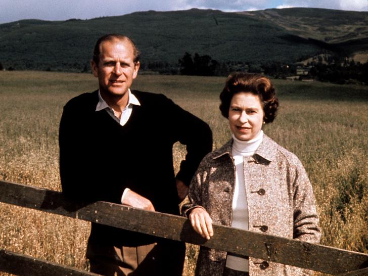 Фото №1 - Ее опора и любовь: самые трогательные цитаты Королевы о принце Филиппе