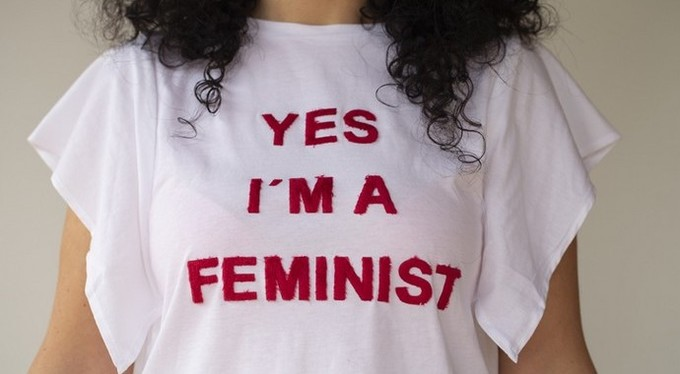 «Я не феминистка»: почему нас так пугает это слово (и зря)