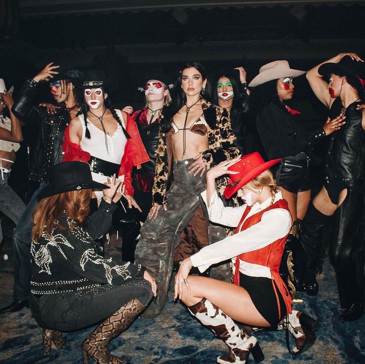 Фото №3 - Дуа Липа танцует среди ковбоев в новом клипе «Love Again»