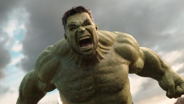 Фото №4 - «Мстители» vs «Атака титанов»: кому из команды Marvel по силам одолеть гигантов из аниме?