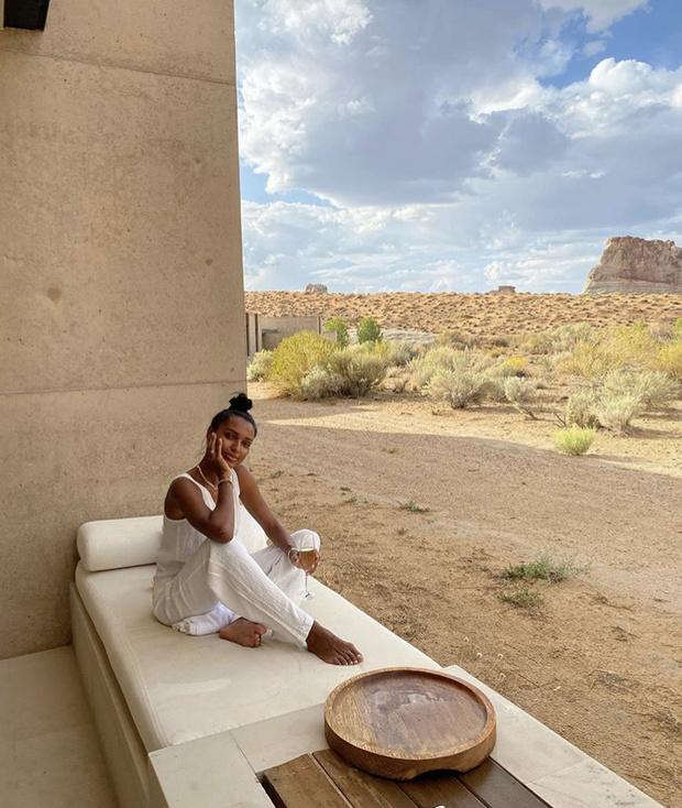Фото №4 - Жасмин Тукс в фантастическом гофрированном платье и с огромным бриллиантом