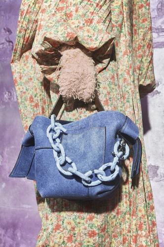 Фото №16 - Самые модные сумки осени и зимы 2021/22