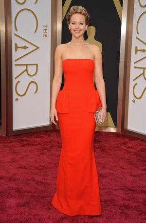Фото №2 - Выход на миллион: самые дорогие платья звезд в истории красных дорожек
