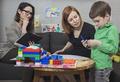 «Почините его!»: стоит ли вести ребенка к психологу, если вы сами не готовы меняться