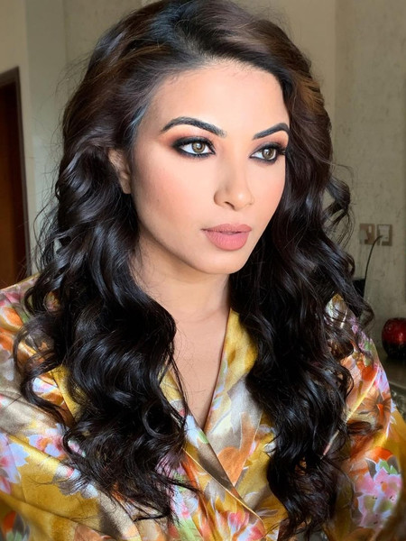 Как красятся женщины в Дубае