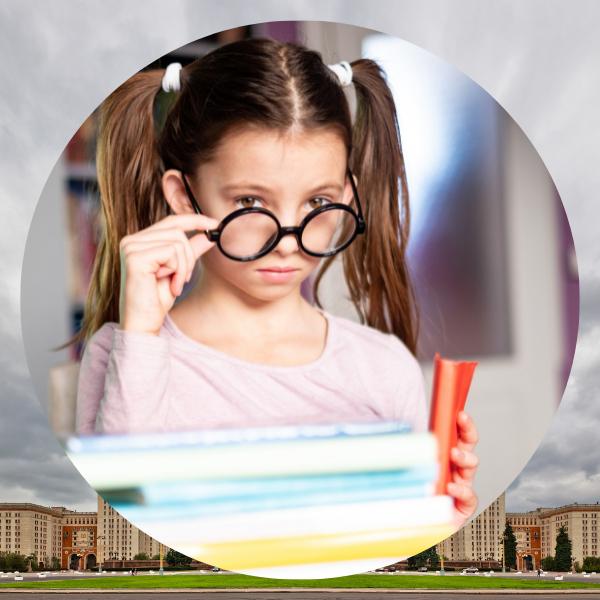 Фото №1 - 9-летняя девочка успешно сдала экзамены в МГУ!