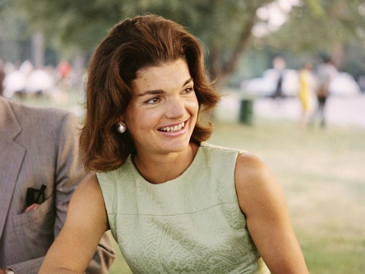 Фото №1 - Джеки О нашего времени: кто из внуков Жаклин Кеннеди вырос ее настоящим двойником