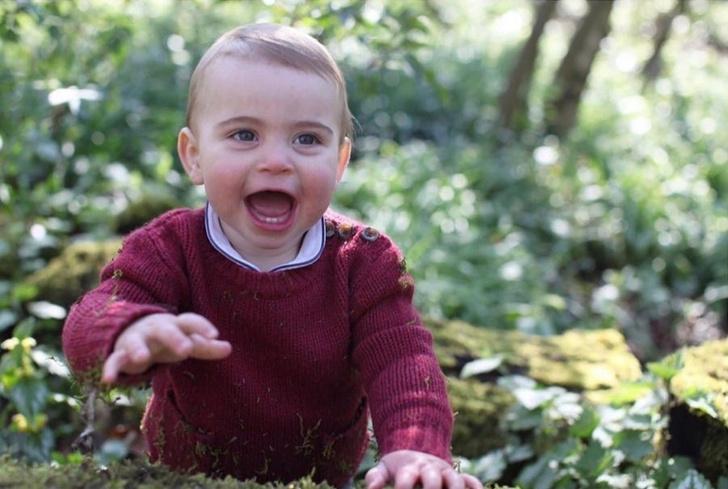 Фото №2 - Мамины глаза: Кейт Миддлтон и принц Уильям представили новые фото принца Луи в честь его первого дня рождения