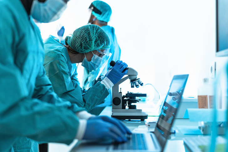 В ЮАР обнаружили новый агрессивный штамм СOVID-19, которому не страшны вакцины