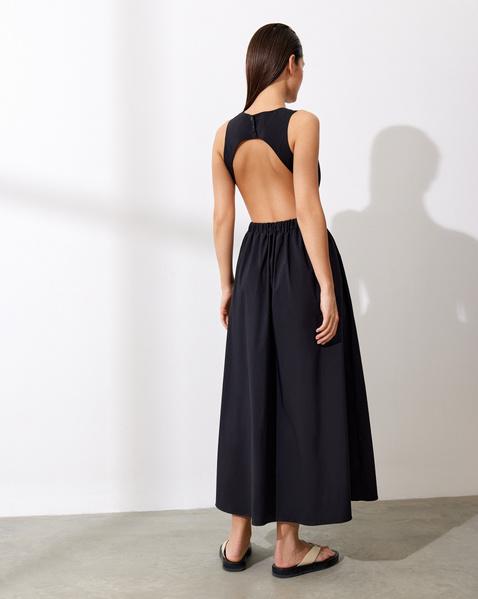 Фото №10 - Платье с открытой спиной: на работу, в отпуск и на летнее торжество