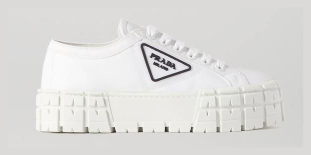 Фото №2 - Белые кроссовки, которые вы давно искали