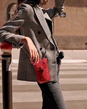 Фото №6 - Что купить в новой аксессуарной коллекции Maje: от сумок до украшений