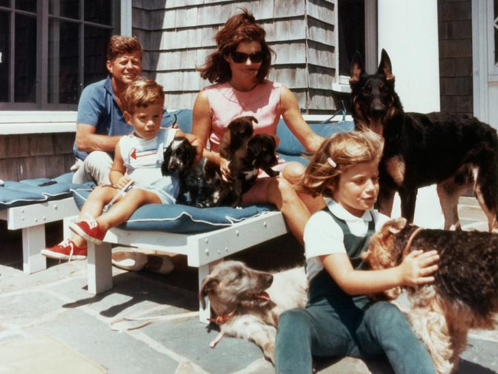 Фото №3 - Как отдыхают президенты и Первые леди: самые неформальные отпускные фото глав США с их супругами