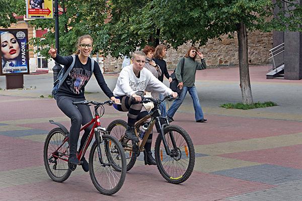 Велосипед летом