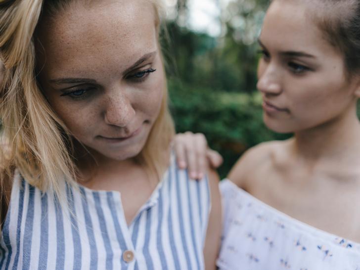 Фото №1 - Дружеская ревность: почему она возникает и как от нее избавиться