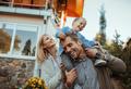 Мать и отец: как не перепутать роли