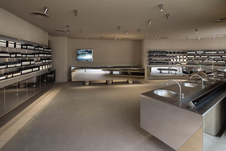 Фото №2 - Минималистский бутик Aesop в Токио