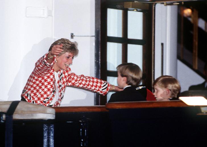 Фото №6 - Методы воспитания леди Дианы, которые переняли Уильям и Кейт Миддлтон— фото