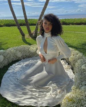 Фото №14 - Самые стильные звездные невесты 2020 года, которые нас впечатлили