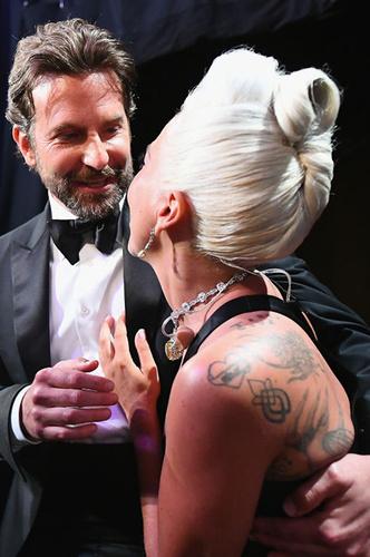 Фото №5 - Шейк, Купер, Гага: любовный треугольник на «Оскаре»