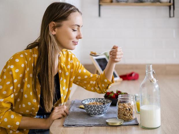 Фото №1 - Как отказ от завтрака повлияет на ваш вес и самочувствие