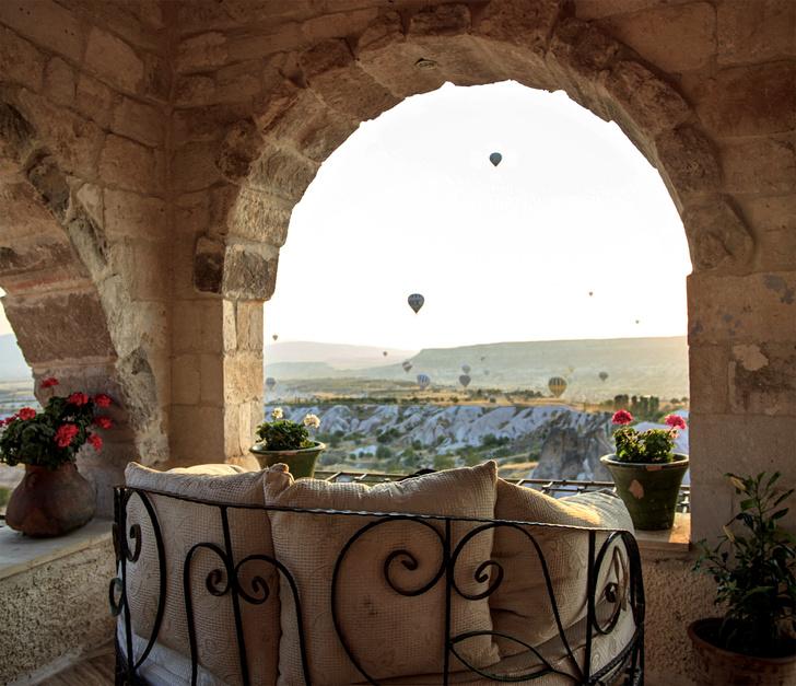 Фото №2 - Удивительный отель с номерами в пещерах в Турции