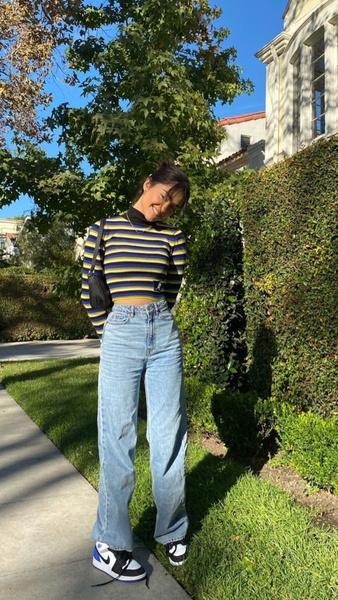 Фото №6 - Как носить модные этой весной вещи в полоску 🌈