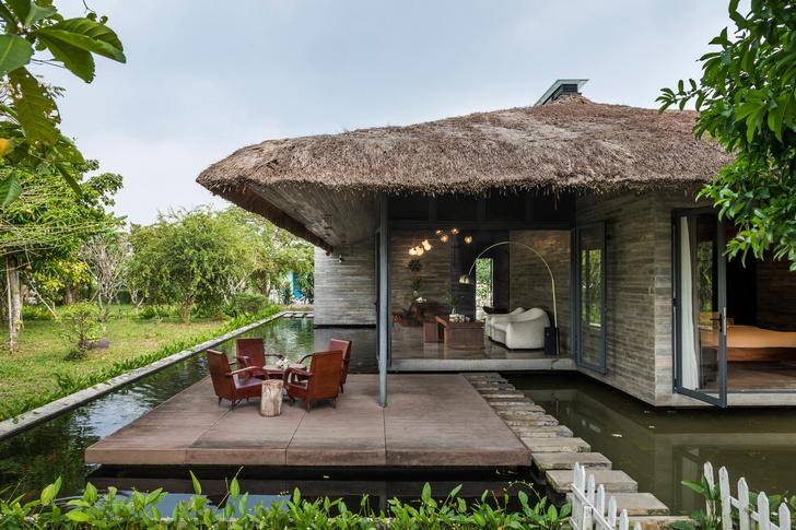 Фото №2 - Дом с соломенной крышей и прудом во Вьетнаме