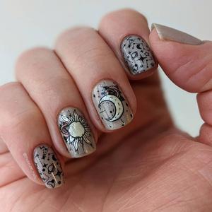 Фото №3 - Маникюрный ликбез: что такое стемпинг для ногтей 💅