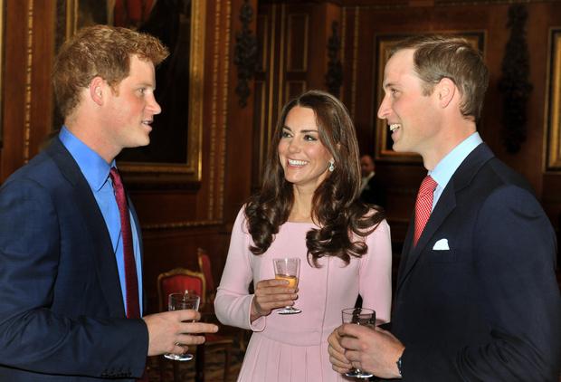 Фото №5 - Как Кейт пыталась помирить Уильяма и Гарри (и почему у нее ничего не вышло)