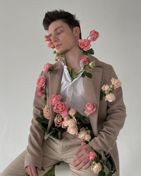 Фото №2 - Дима Ермузевич— о новой песне «Цветы», планах на будущее и о том, как выглядеть стильно каждый день