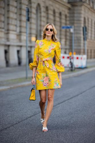 Фото №3 - Для лета и не только: самые модные платья с цветочным принтом